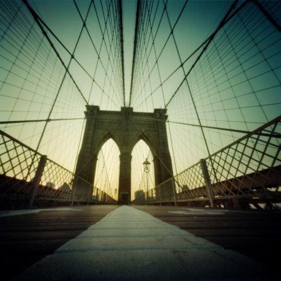 http://pikozulueta.com/files/gimgs/th-9_01_brooklyn_bridge.jpg